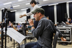 Probe 2: Andreas Schaerer mit Lucerne Festival Academy Orchestra ©Stefan Deuber