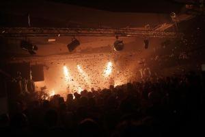 explosion de paillettes pour clore le concert de Peter Kernel
